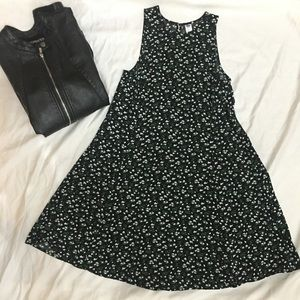 Old Navy floral Dress black and white floral